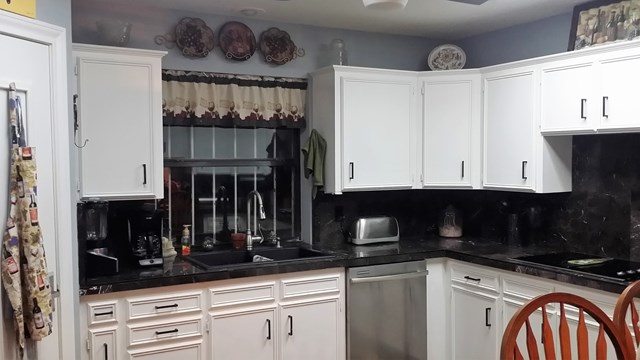 Kitchen with sink and dishwasher